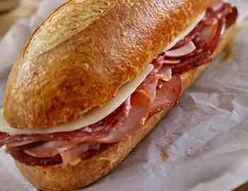 Submarine sandwich to go