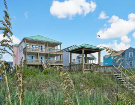 Private beach houses on Oak Island