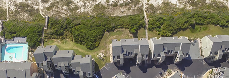 Oak Island rentals ocean side to the beach