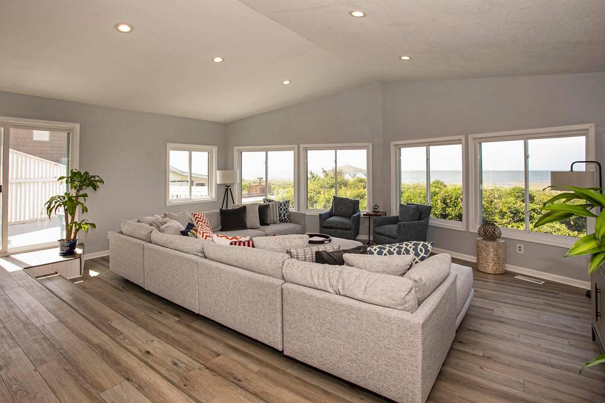 oak island spacious rental for families