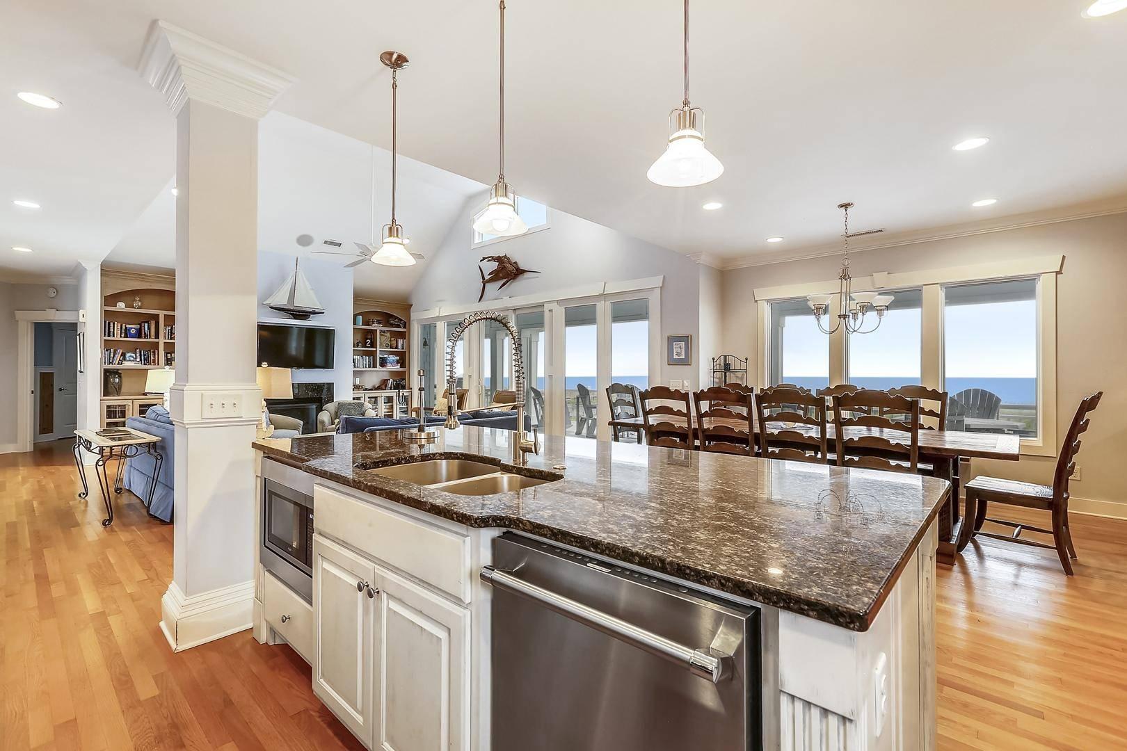 oak island holidays, oak island rentals with large kitchens