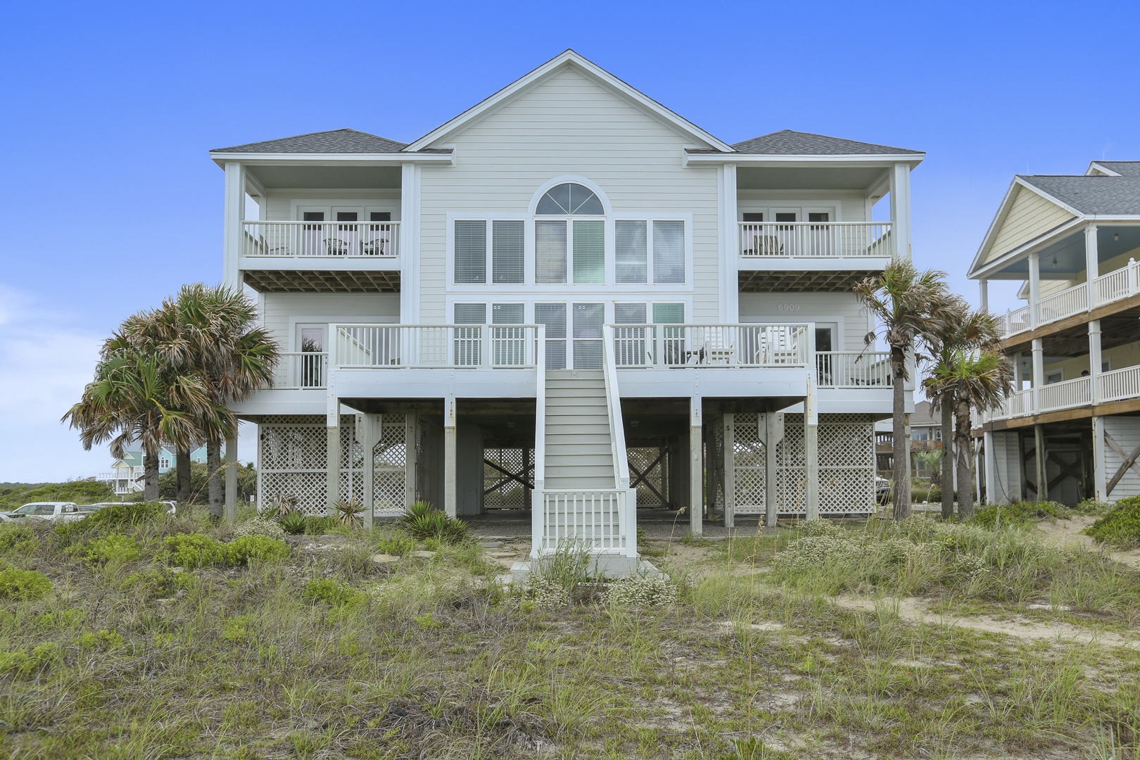 Beyond Expectations Oceanfront Vacation Rental with Elevator