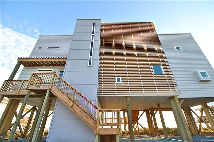 Keel Hall Oceanfront Oak Island Vacation Rental